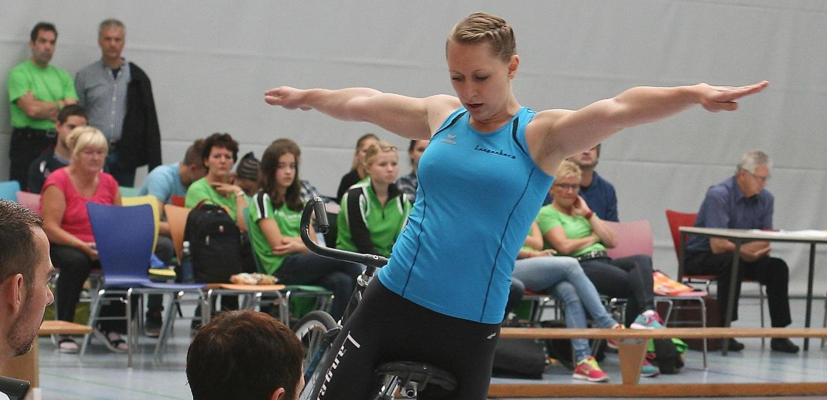 Höchste Konzentration auf dem Kunstrad: Milena Slupina konnte die Jury mit ihrer Performance überzeugen.