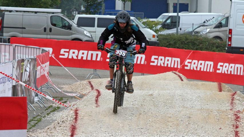 An dem Rennen nahmen Profis und Amateure teil.