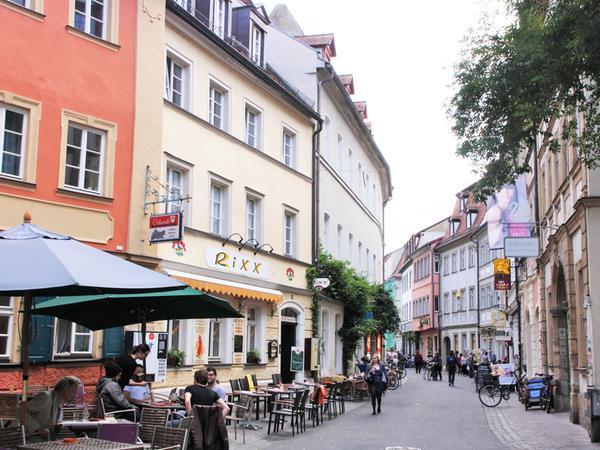 Die Cafés in der Austraße, direkt neben der Uni.