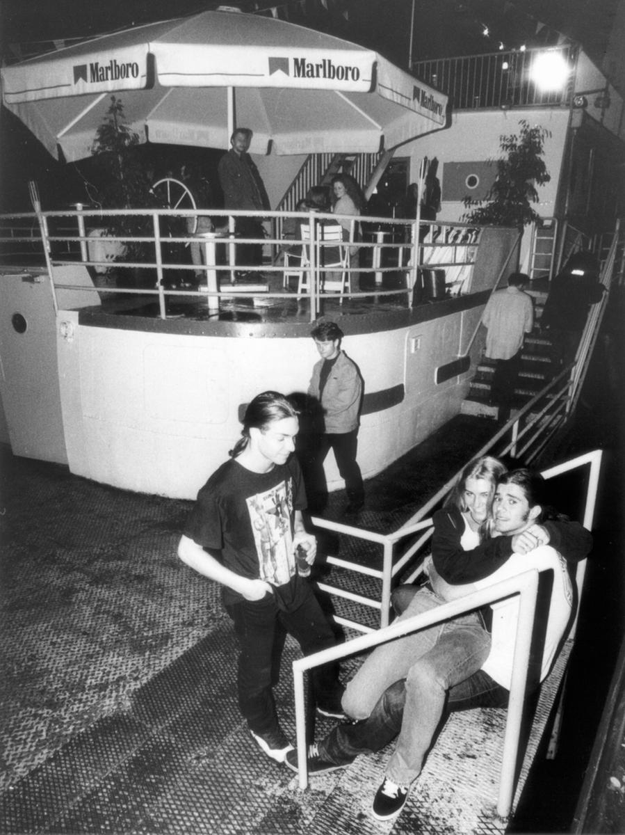"""Oder wir fuhren zum Hafen, wo das """"Boot"""" stand, die Mega-In-Disco der 90er-Jahre."""