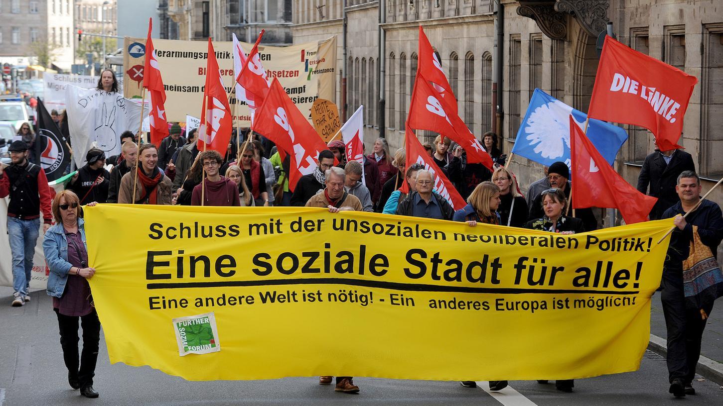 Kreative Lösungen forderten die Demonstranten von Fürths Lokalpolitikern.