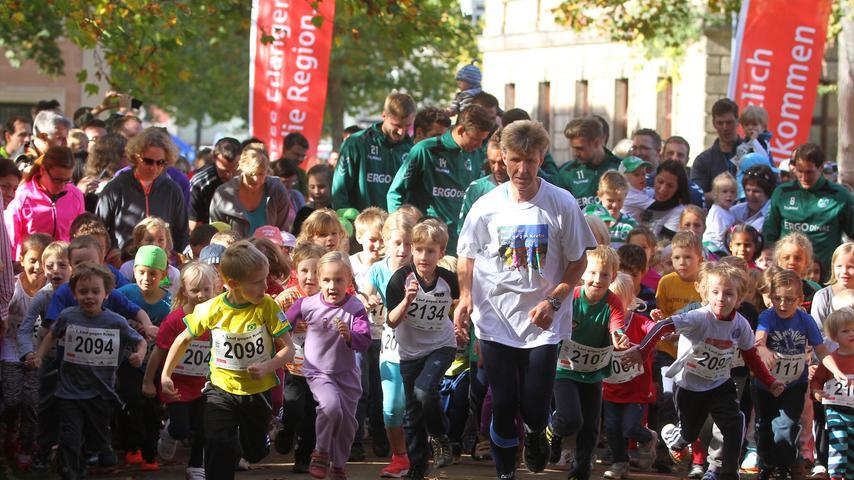 Lauf gegen Krebs: Kleeblatt-Profis drehen ihre Runden in Erlangen