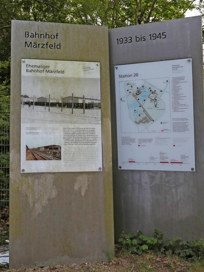 Heute erinnern einige Gedenktafeln an das NS–Erbe.