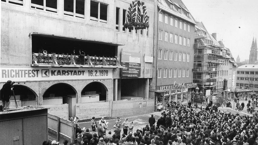 Warenhaus-Romantik und Insolvenz-Kampf: Die Karstadt-Geschichte