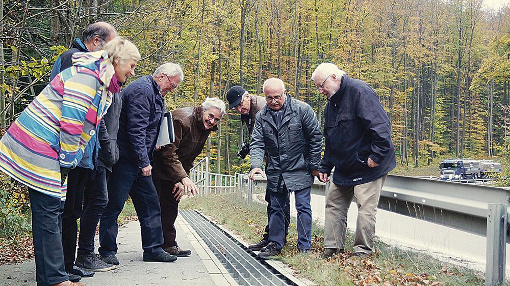 Anerkennung vomLandesvorstand:Die Amphibientunnel mit zugehörigem Leitsystem bewerten die Mitglieder des Bund Naturschutz als bayernweites Vorzeigeexemplar.