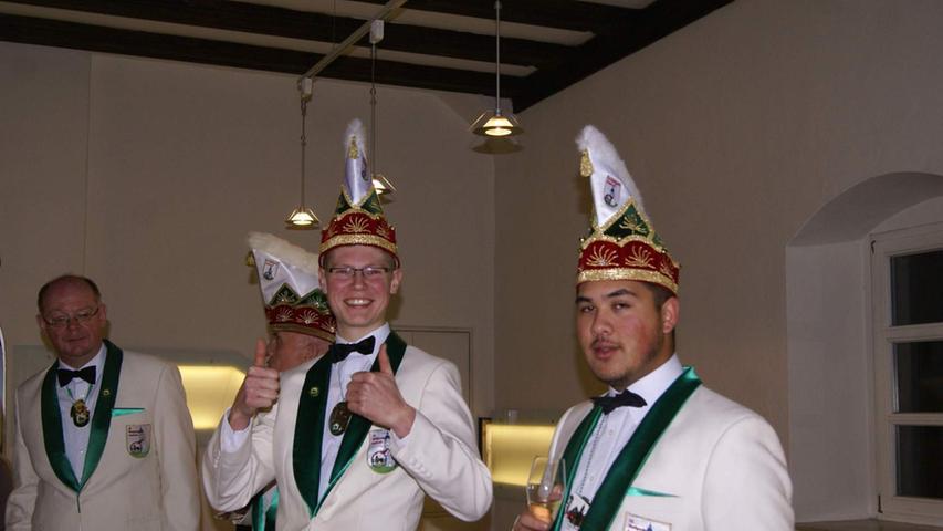 Auerbach hat nach Rathaussturm zwei neue Prinzenpaare