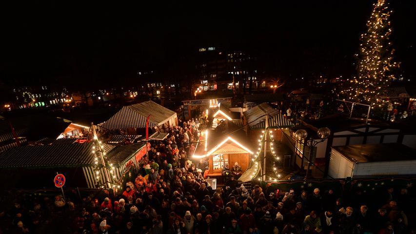 Weihnachtsmarkt auf der Fürther Freiheit Wo? Fürther Freiheit  | Wann? 24. November bis 23. Dezember | Öffnungszeiten: Mo. bis So. jeweils von 10 bis 21 Uhr.