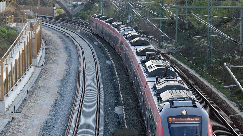 """Blick in den """"Fürther Bogen"""": Ein S-Bahn-Verkehr im 20-Minuten-Takt wäre nach Ansicht der Stadt auch jetzt schon möglich."""