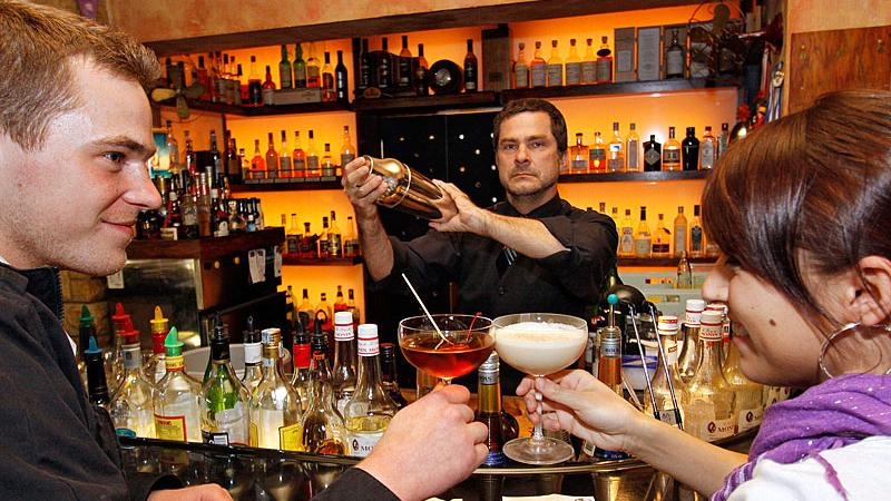 110 Cocktails auf 50 Seiten
