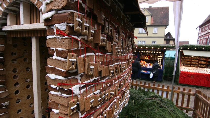 ...bauten 40 Konditoren, Bäcker und Schreiner...