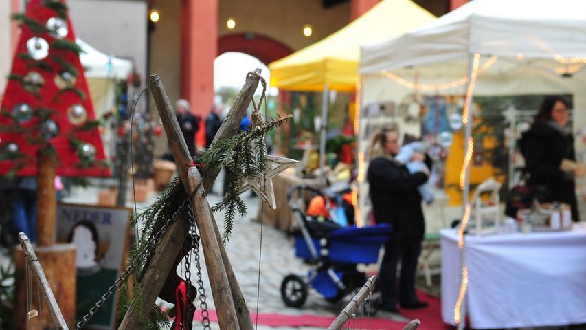 MOTIV:Kunsthandwerk,Forchheim,Kaiserpfalz,Advent,Weihnachtsmarkt,..Kunsthandwerk ermarkt in der Kaiserpfalz..FOTO:Roland Huber..Datum:06.12.2014..