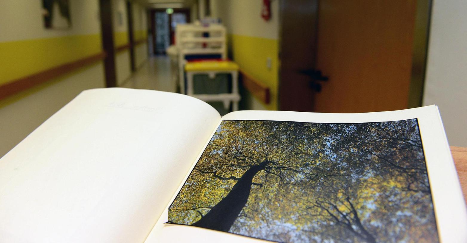 Braucht ein Mensch auf der letzten Strecke Lebensweg intensive Begleitung, kann er im Awo-Seniorenheim Zirndorfs Aufnahme finden. Vier Zimmer stehen dem Hospizverein in einem Trakt derzeit zur Verfügung, sie reichen nicht.