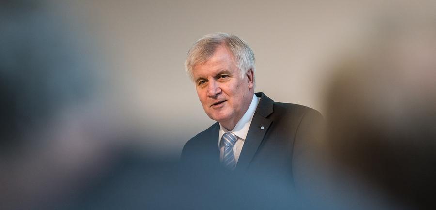 Beim Energie-Gipfel im Kanzleramt am 2. Juli 2015 hat Horst Seehofer nach eigener Einschätzung alle Kernanliegen Bayerns durchgesetzt. Er sei mit den Ergebnissen