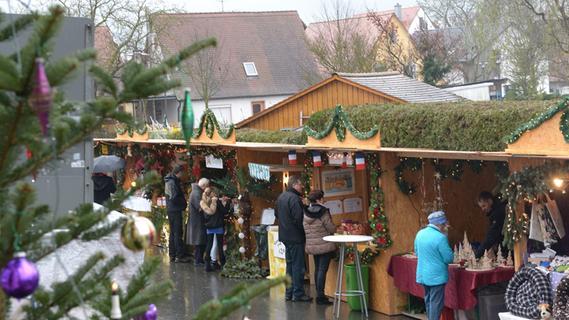 Oberreichenbacher Weihnachtsmarkt trotzt dem Regen