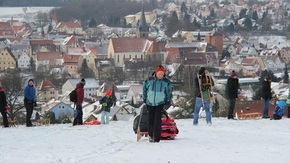 Schneespaß: Rodeln am Schnaittacher Rothenberg