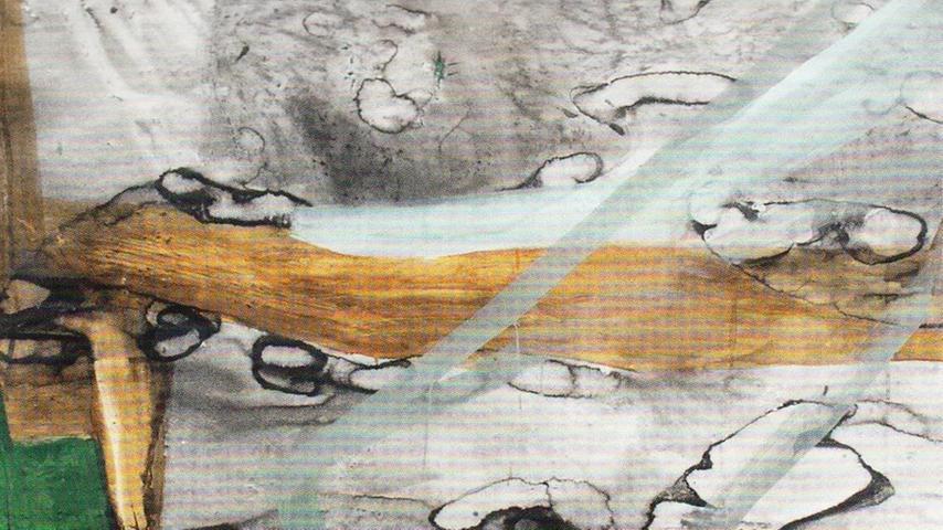 Grau, Braun, Grün: Christiane Bergelt widmet sich vor allem der abstrakten Landschaftsmalerei. Ihre Gemälde entstehen ohne Plan, ganz spontan, und wirken am Ende selbst fast lebendig. Bis zum 22. Februar lassen sich Christiane Bergelts Bilder in der Galerie Sturm bewundern.