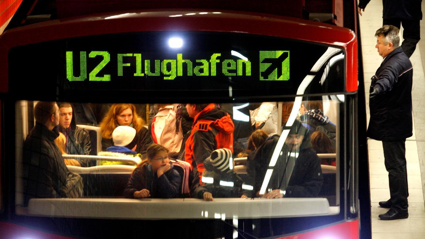 Seit acht Jahren rollen U-Bahn-Züge ohne Fahrer und nur mit Computersteuerung durch Nürnberg - etwa zum Flughafen.