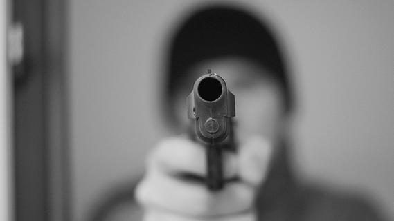 Versuchter Raub vor Bank in Gollhofen: Verdächtiger festgenommen