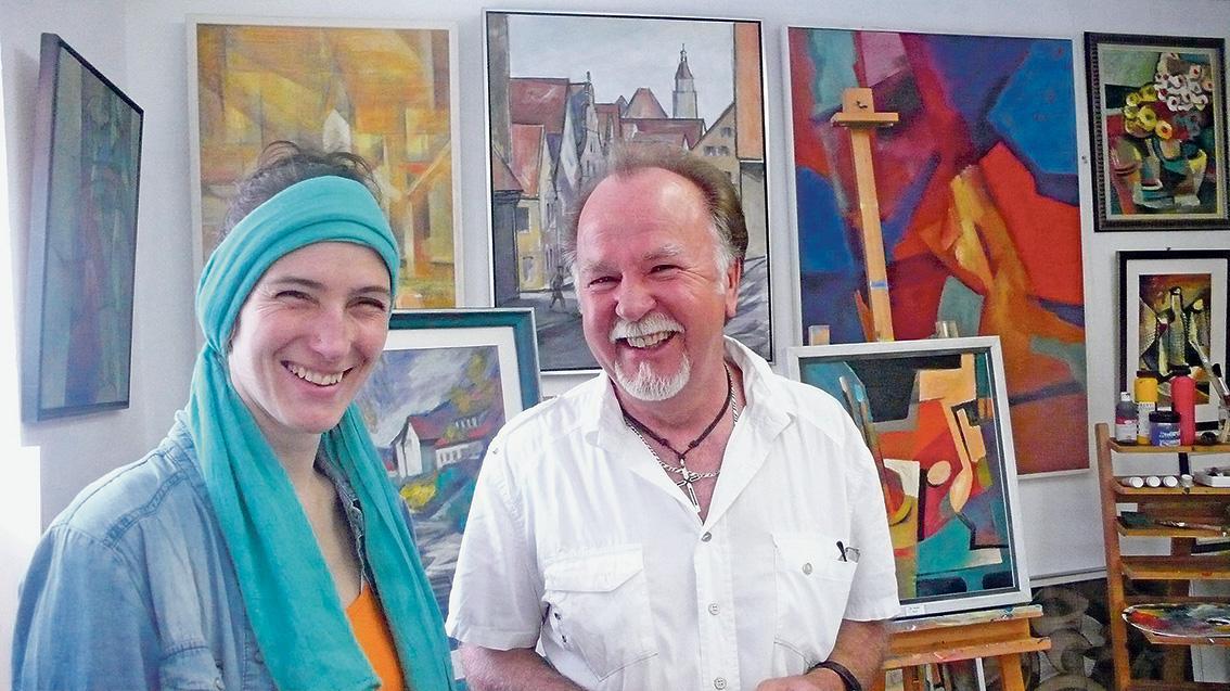 Annett Segerer besucht Stadtmaler Eduard Raab in seinem Atelier.