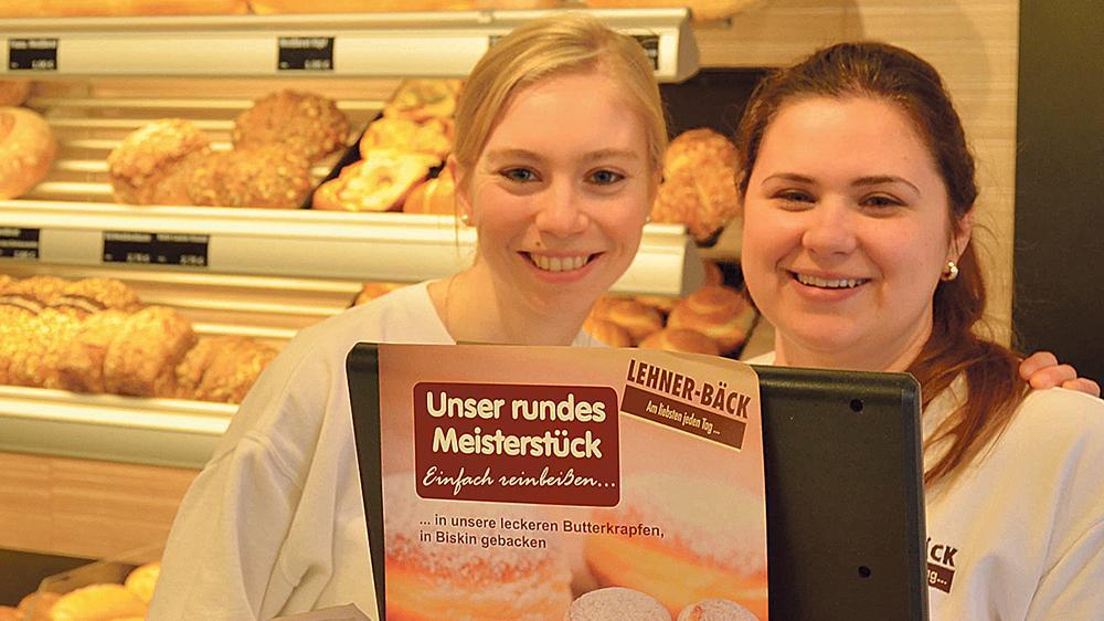 Freundlichkeit ist Trumpf – auch bei den Bäckereifachverkäuferinnen Linda und  Violetta (v. li.). Die Weißenburger Geschäfte landen damit im bundesweiten Vergleich auf dem stolzen dritten Platz.