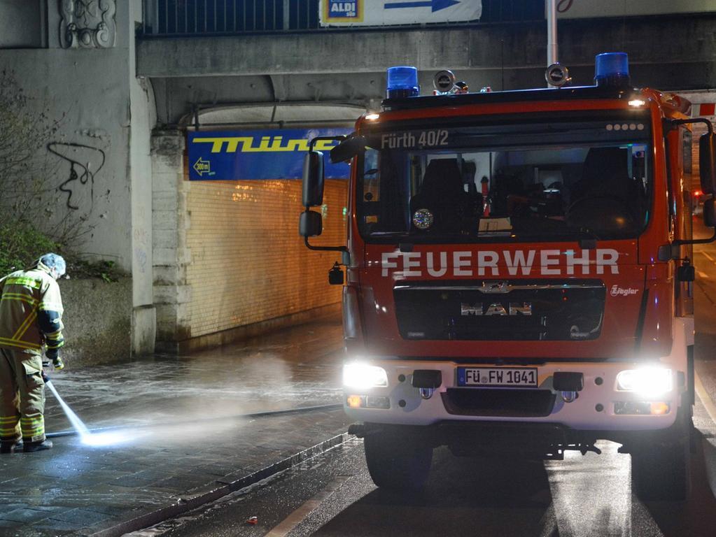 Tötungsdelikt Fürth Jakobinenstr., ein Mann wurde Opfer eines Gewaltverbrechens  an der U-Bahnstation Jakobinenstrasse, 3 Tatverdächtige festgenommen,  01.02.2015, ToMa-Fotografie