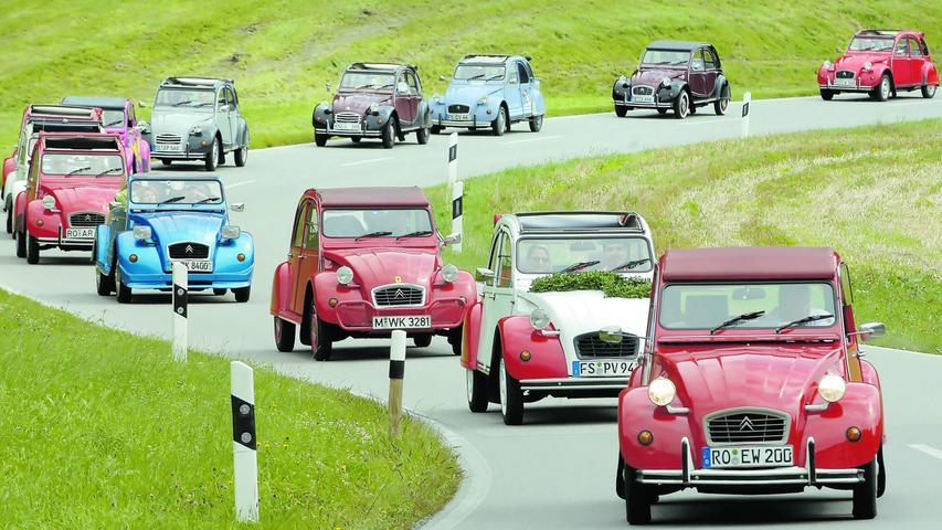 Was der VW Käfer für die Deutschen, der Mini für die Briten und der Fiat 500 für die Italiener war, das war die Ente von Citroën für die Franzosen. Die Ente, die offiziell ganz nüchtern