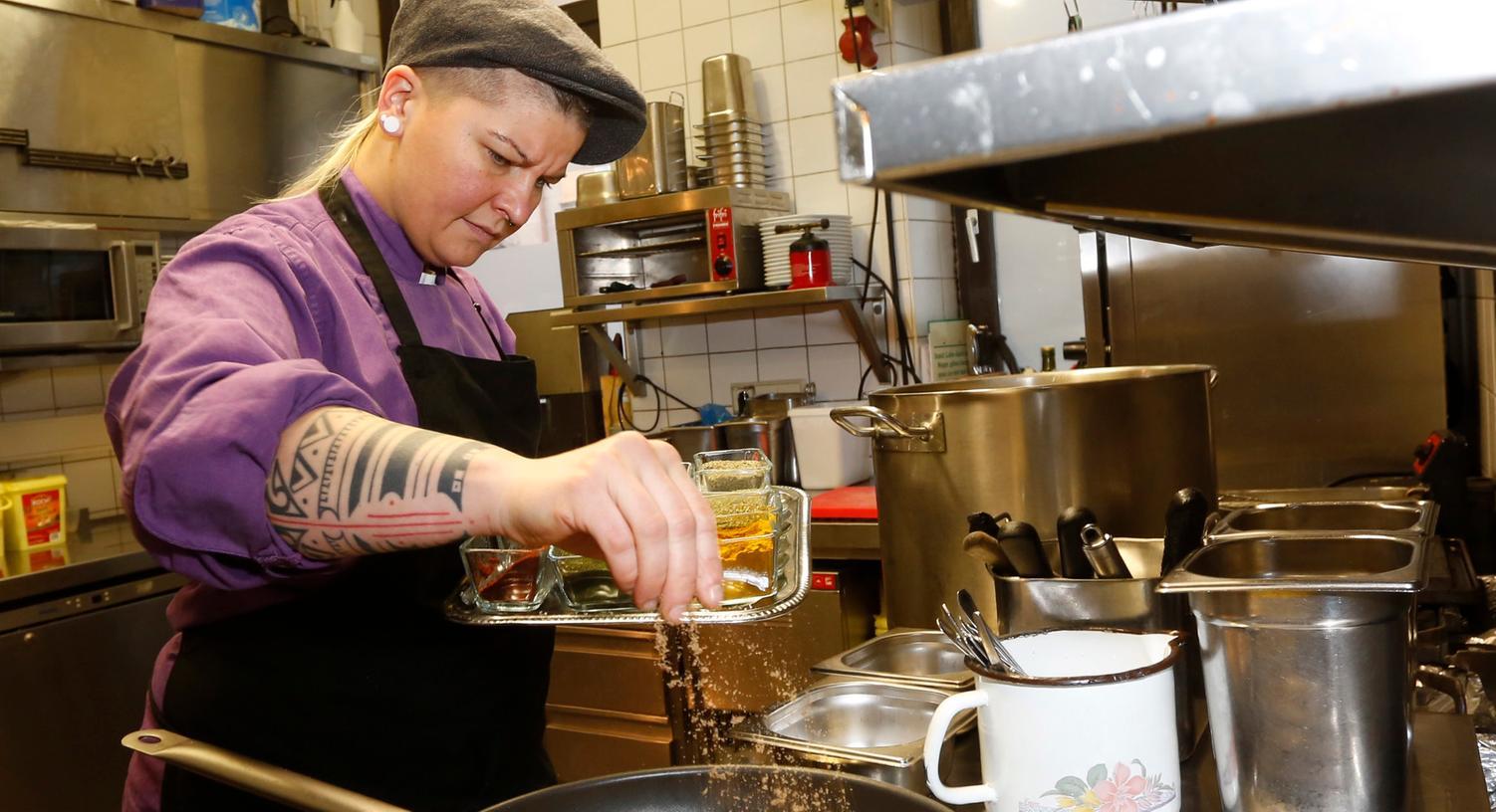 Diana Burkel ist seit 2006 die Küchenchefin im