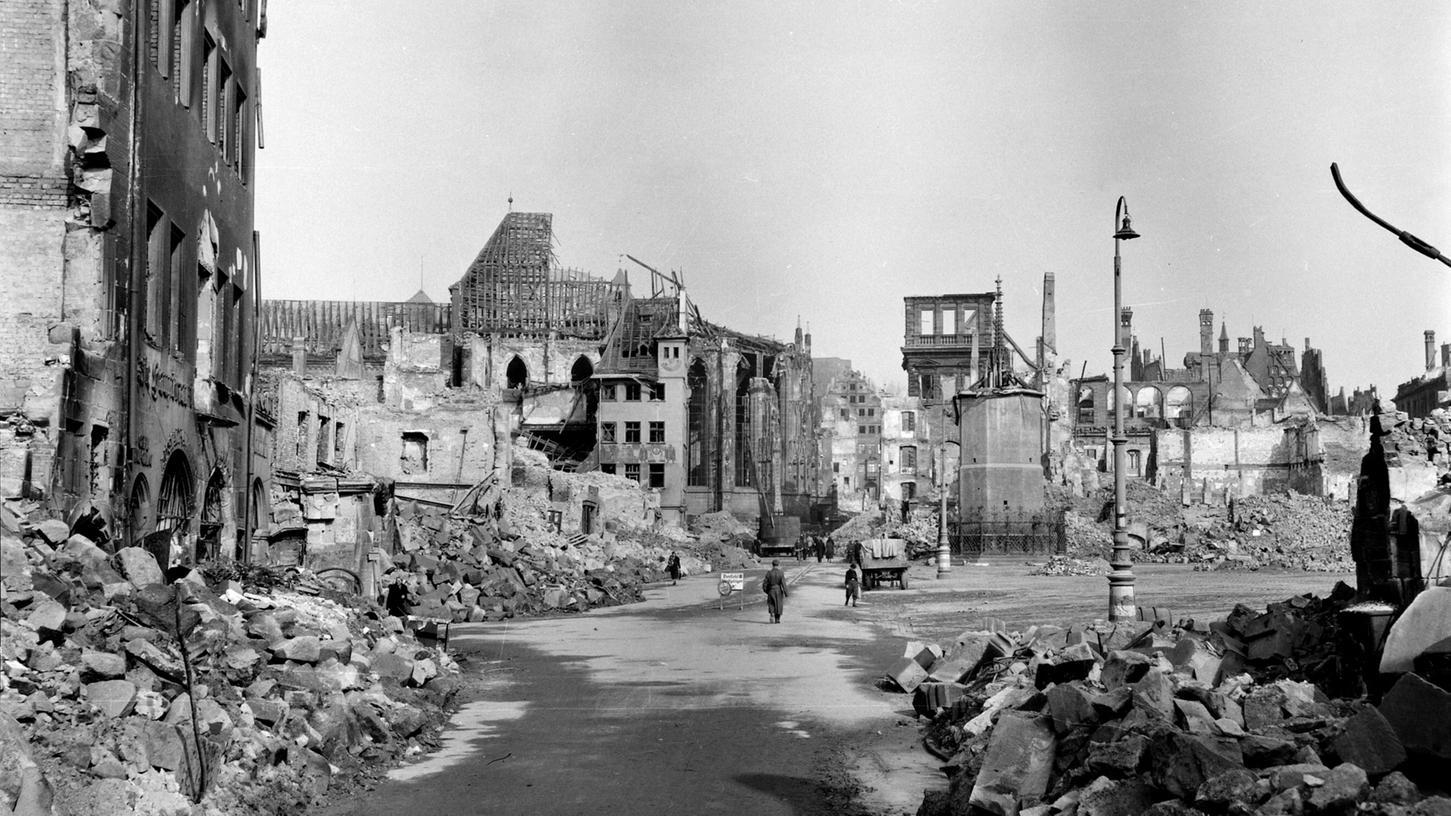 Die Zerstörung seiner Heimatstadt im Zweiten Weltkrieg und ihren Wiederaufbau bekam Emil Mosbacher nicht mit eigenen Augen zu sehen - nach dem Ende der Nazi-Diktatur kehrte er nie mehr nach Nürnberg zurück.