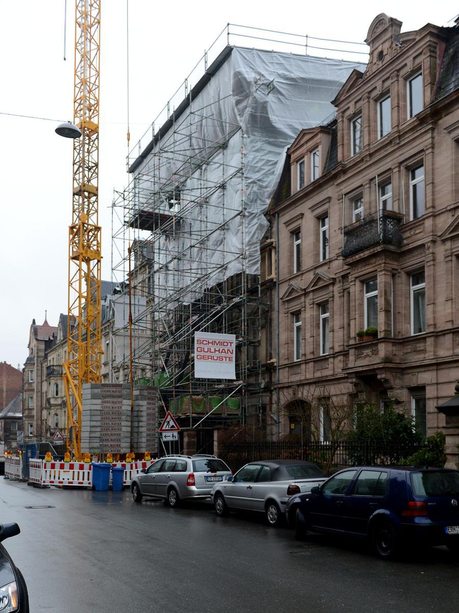 Das Haus Karolinenstraße 10 wird umfassend saniert - dabei kommt auch Überraschendes zutage.