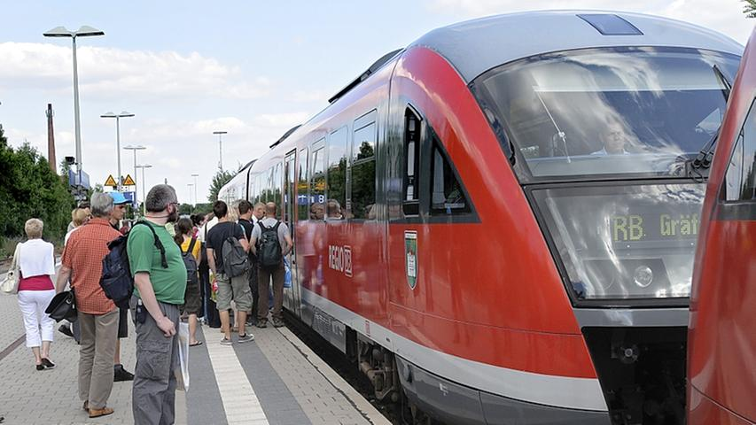 Heute sieht die Gräfenbergbahn so aus. Sie ist ein wichtiger Zweig im Verkehrsverbund des Großraumes der Metropolregion. Zwischenzeitlich war eine Anbindung an der Fürther Hauptbahnhof und damit an die Rangaubahn im Gespräch - doch diese Variante wurde 2015 zu den Akten gelegt. Zu teuer.