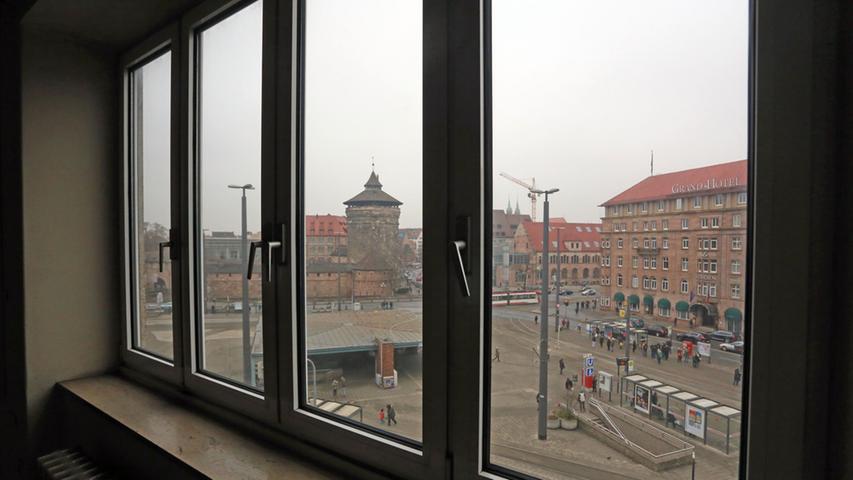 Motiv: Ortsbegehung der ehemaligen Hauptpost Nürnberg mit Michael Lentrodt  Immobilie....Datum: 18.02.2015....Fotograf: Roland Fengler....Ressort: Lokales