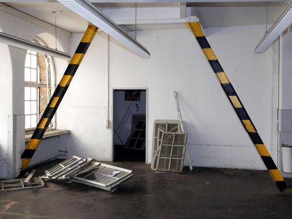 Im Post-Rundbau, der zwischen Kopfbau und Allersberger Tunnel steht: Das Gebäude ist einsturzgefährdet und braucht Statik-Stützen, sein Inneres ist nicht zu retten.