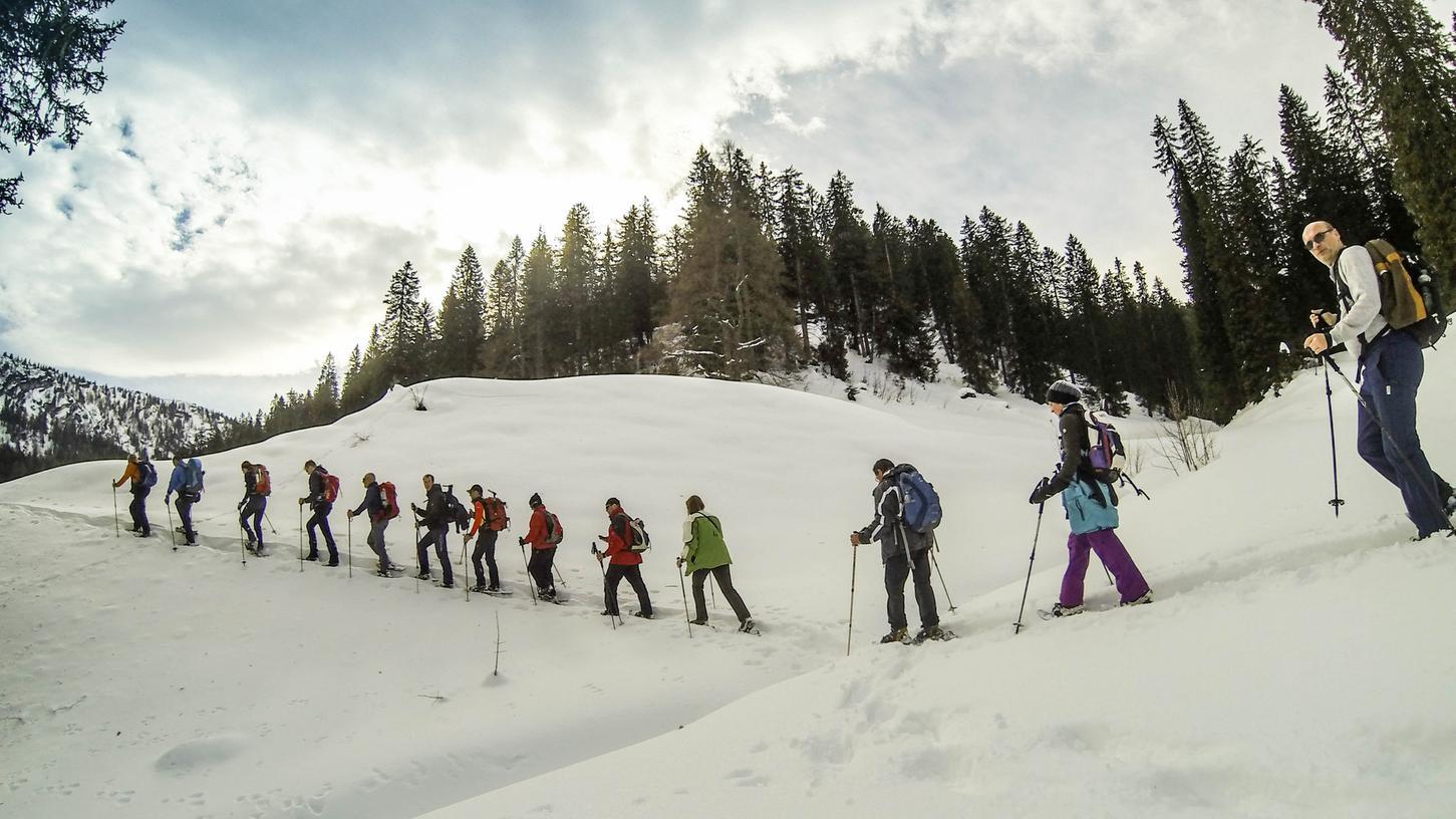 Die erste Zwölf-Stunden-Schneeschuhwanderung in den Deutschen Alpen rund um das  legendäre Watzmann-Massiv im Berchtesgadener Land.
