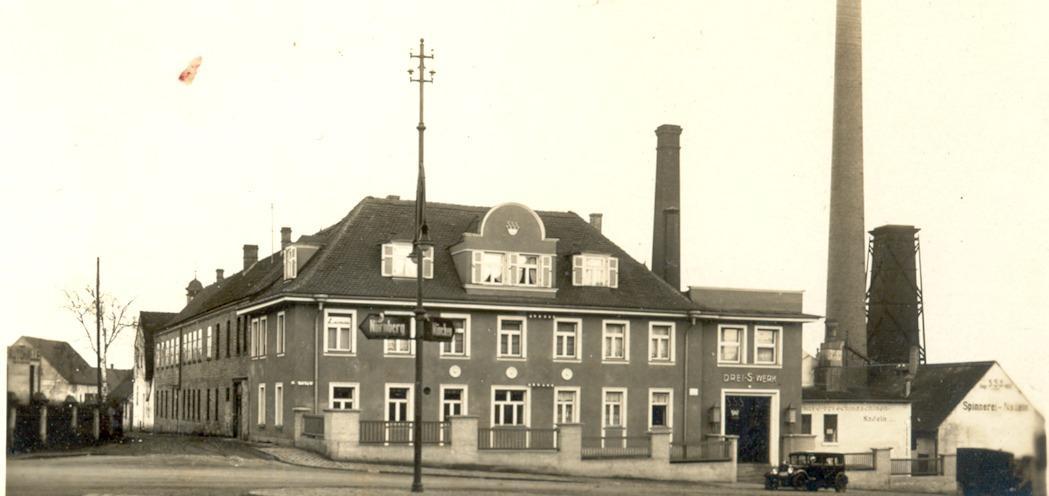 Die Ansicht der Fabrik veränderte sich um 1930 stark.
