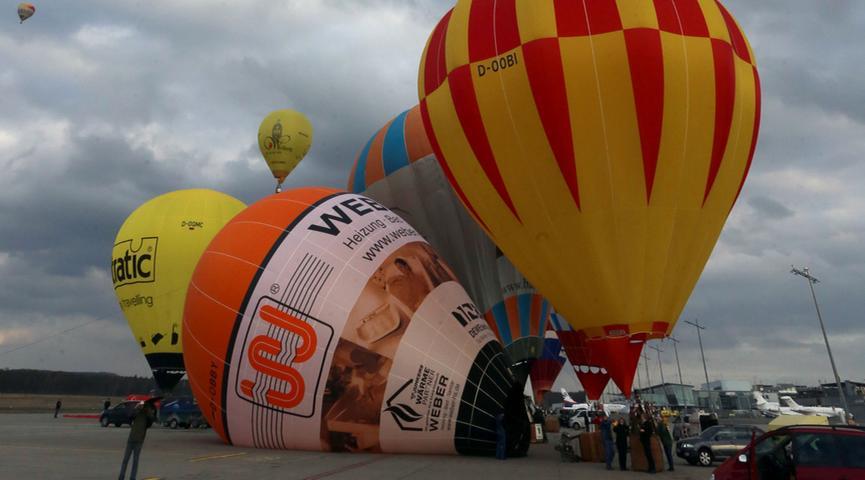 Buntes Farbenspiel über Nürnberg: Ballone stiegen in die Höhe