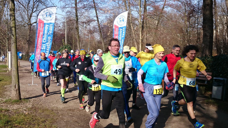 Um 10 Uhr ertönte der Startschuss zum 6-Stunden-Lauf auf der Wöhrder Wiese.