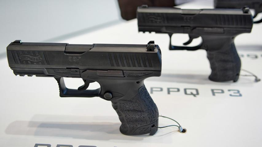 Eine dieser beiden Walther, entweder die PPQ P3 oder die PPQ M3, wird aller Voraussicht nach die neue Dienstwaffe der bayerischen Polizei werden.
