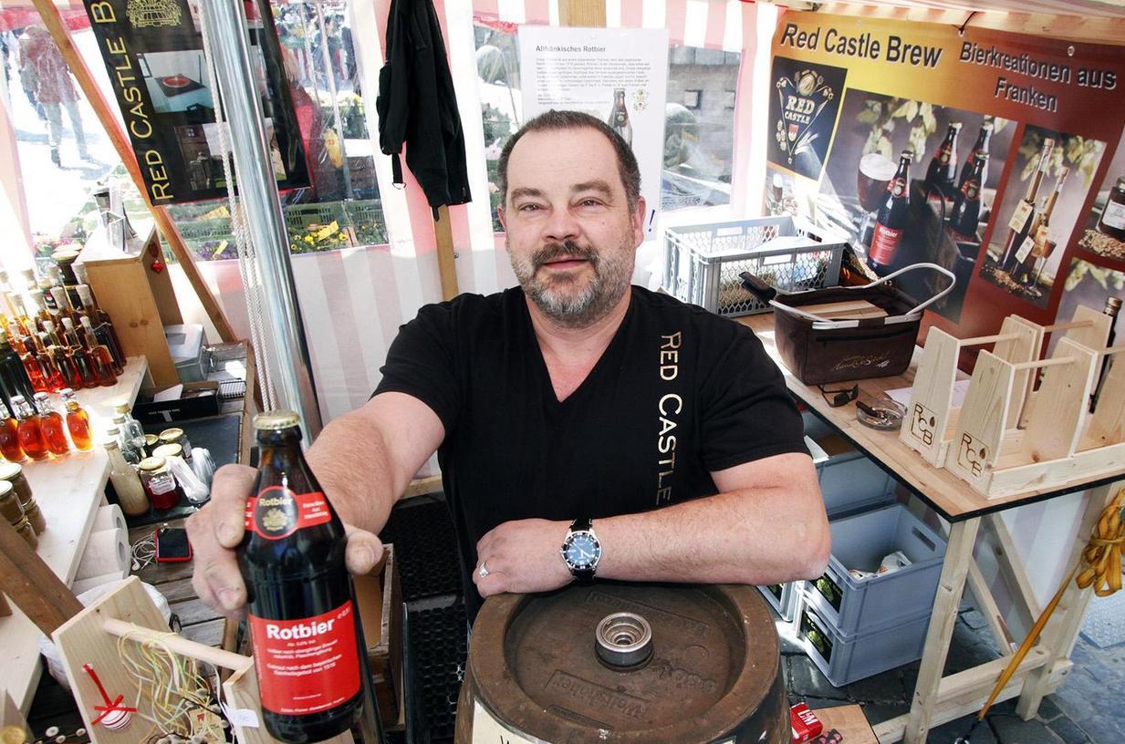 Weil er Gerste von einer Zirndorfer Mälzerei zukauft, darf Michael Bellair sein Rotbier auf dem Hauptmarkt nicht mehr verkaufen.