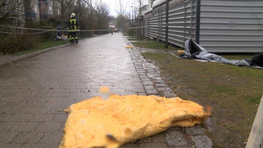 In der Jenaer Straße wurden Teiles des dachs eines Wohnhauses durch das Orkantief abgedeckt.