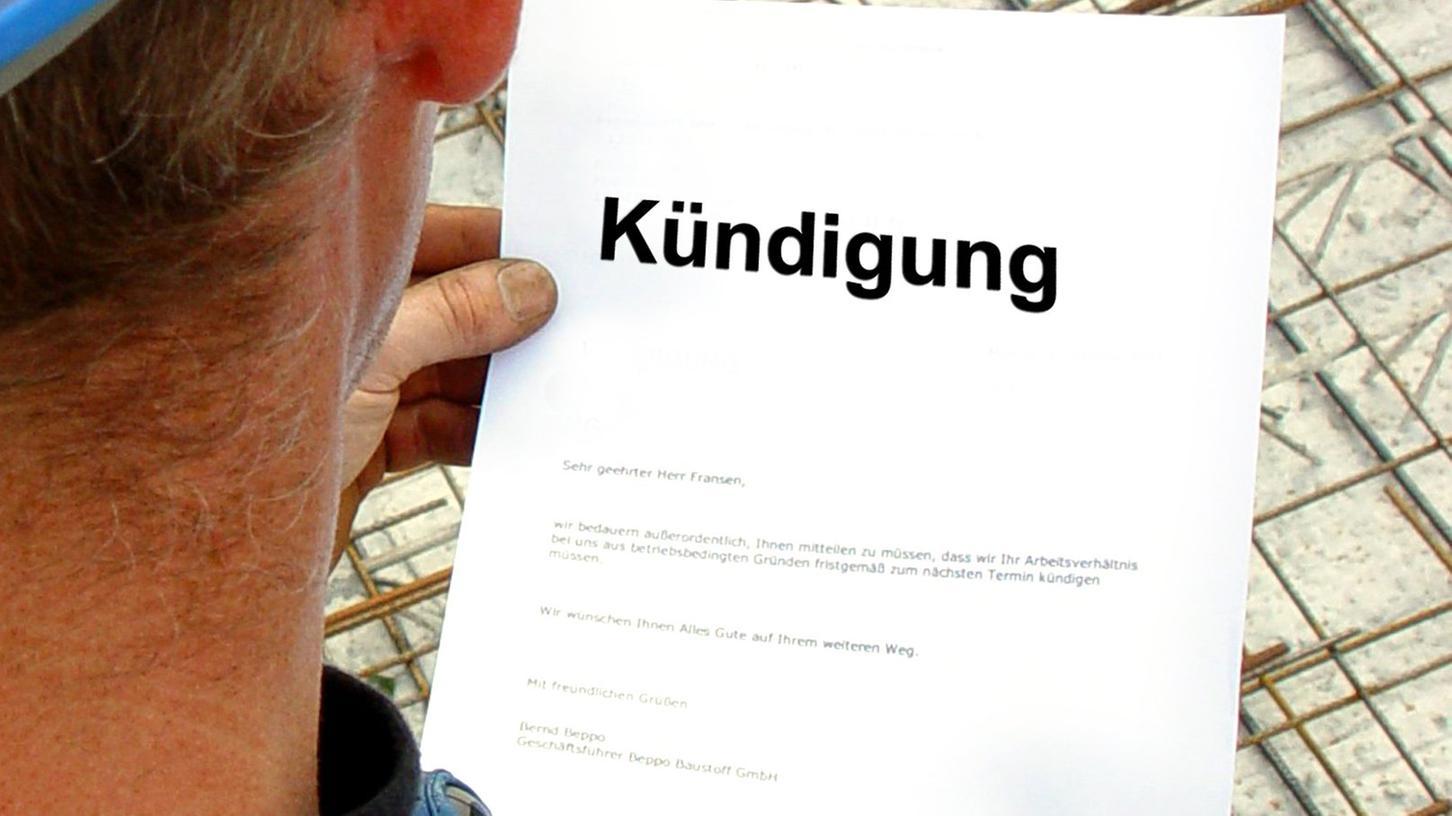 Beinahe zwei Drittel der Deutschen suchen nach einer Kündigung das Gespräch mit ihrem Vorgesetzten.