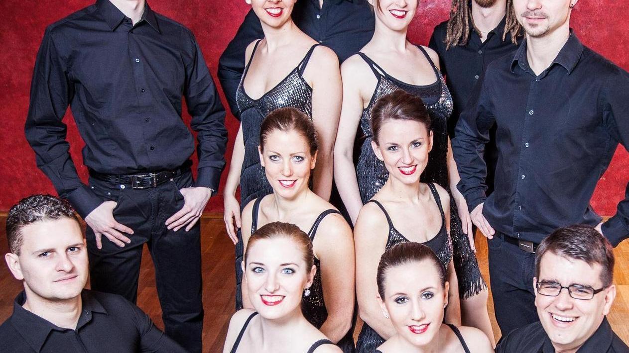Sie üben eifrig für ihre Premiere: Die neue Showgruppe der Salsa-Szene Neumarkt ist erstmals im April zu erleben.