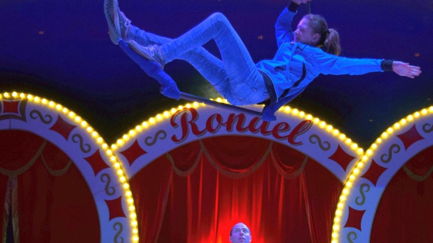 Angst kennen die Nachwuchsartisten, die von erfahrenen Zirkusmachern angeleitet werden, nicht.