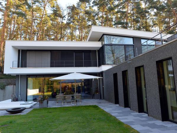 Vier Tage lang stellte eine Erlanger Familie ihr schickes Haus in der Burgberg-Gegend der Filmcrew zur Verfügung.