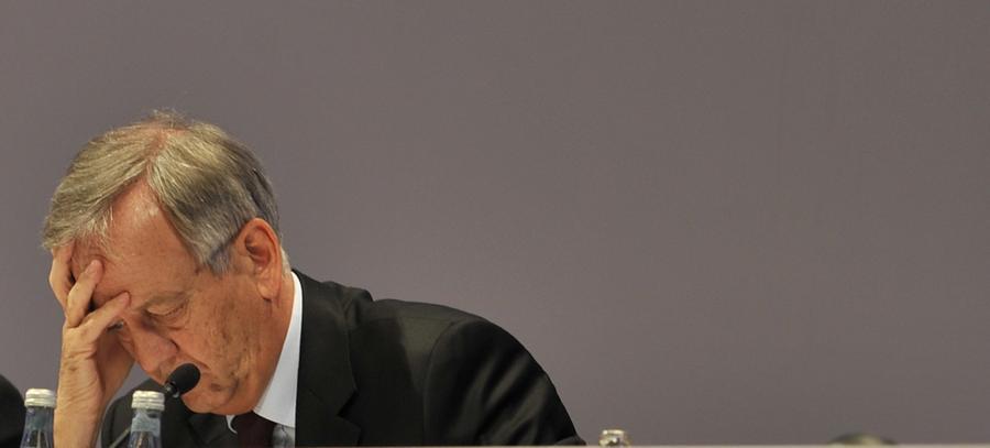 Allerdings hatte Siemens von seinem ehemaligen Vorstandschef zuvor schon fünf Millionen Euro Schadensersatz gefordert. Die Zahlungen, so von Pierer, seien für ihn allerdings kein Schuldeingeständnis.