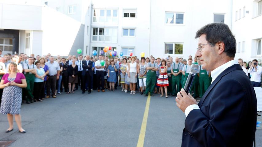... konzentrierte er sich auf sein Engagement bei der Martin Bauer Group in Vestenbergsgreuth, die er lange Jahre als Geschäftsführer leitete. Unser Foto zeigt das 50. Firmenjubiläum im August 2013.