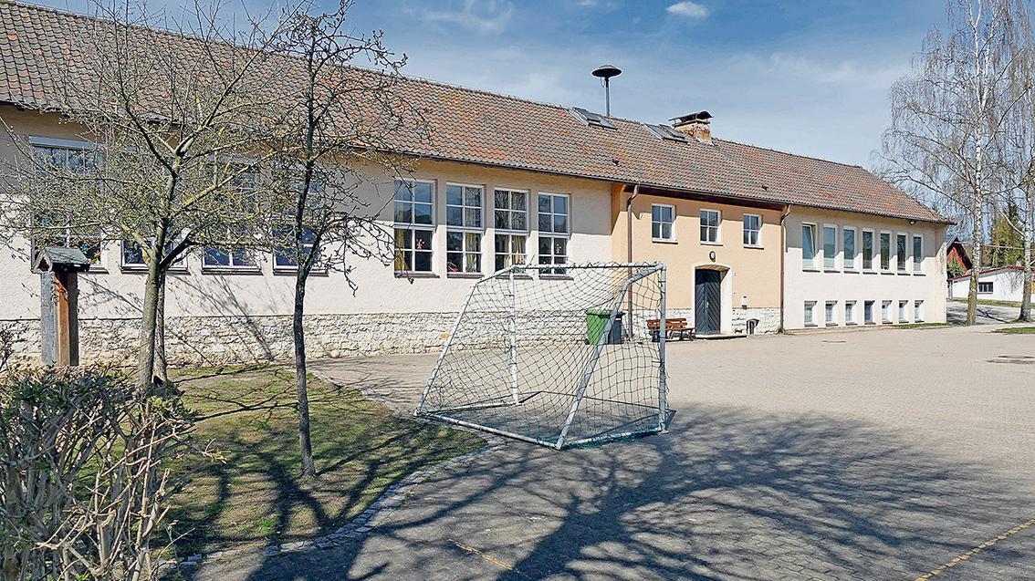 In den Augen der Dietfurter wäre das bald leere Schulgebäude ein idealer Ort für Feiern und Versammlungen.