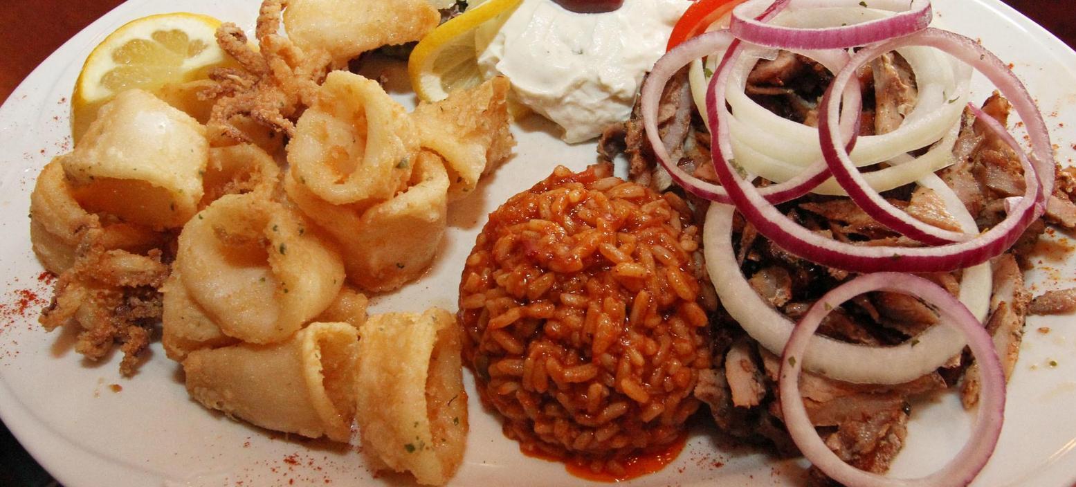 Selbst der Calamari-Teller beim Griechen um die Ecke kann Ängste auslösen: Ist es wirklich Tintenfisch oder nur umetikettierter Schweinedarm? Ein amüsantes Buch gibt jetzt Entwarnung . . .