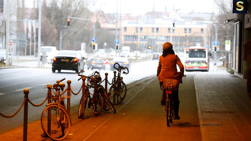 Mit vielen Autos und Bussen bekommen es Radfahrer auch in der Dürrenhofstraße zu tun. Da wundert es wenig, dass es hier elf Mal gekracht hat.