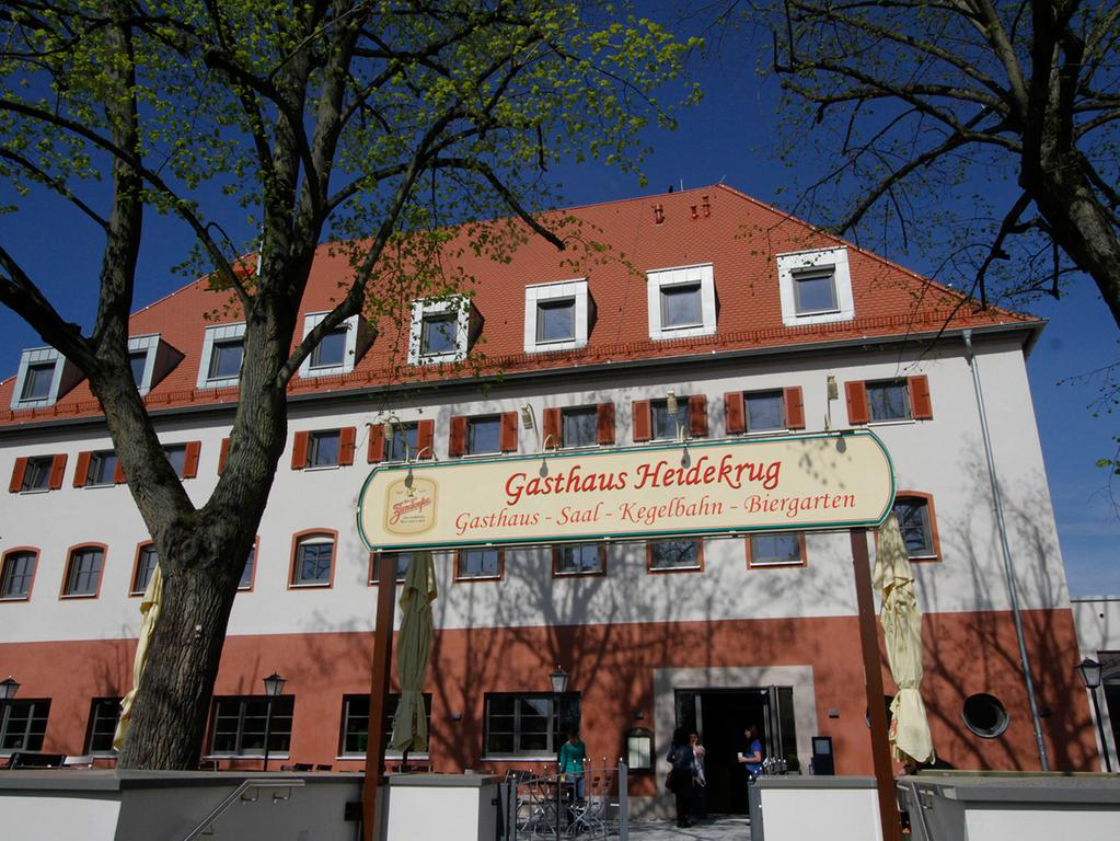 LOKALES Foto: Eduard Weigert Datum: 27.5.15..Aufgetischt Gasthaus Heidekrug