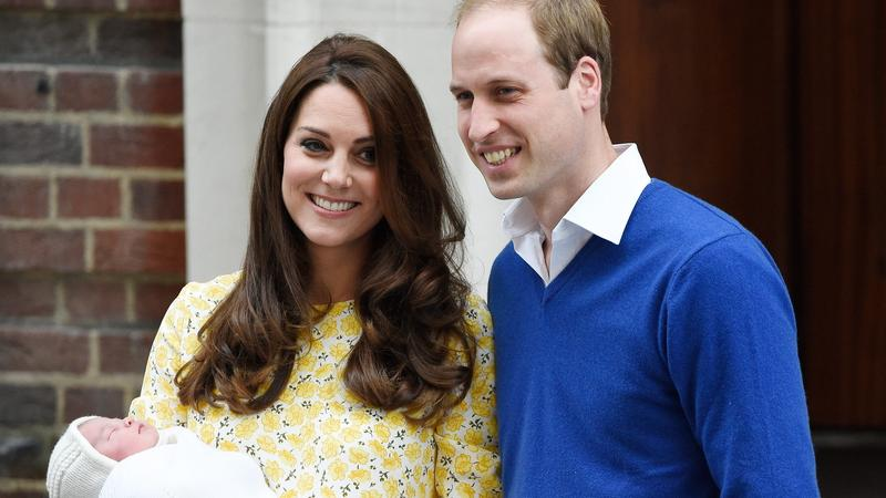 Am 2. Mai 2015 erblickte die Urenkelin der Queen und Tochter von Prinz William und Herzogin Kate, Charlotte Elizabeth Diana, das Licht der Welt.